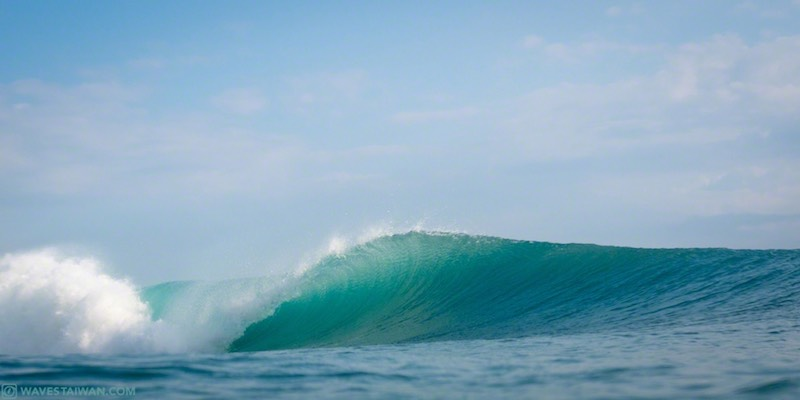 Taiwan East Coast surf wave barrel | Surf Travel Taiwan